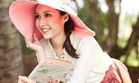 Anna Trương đang từng bước khẳng định mình và tách khỏi