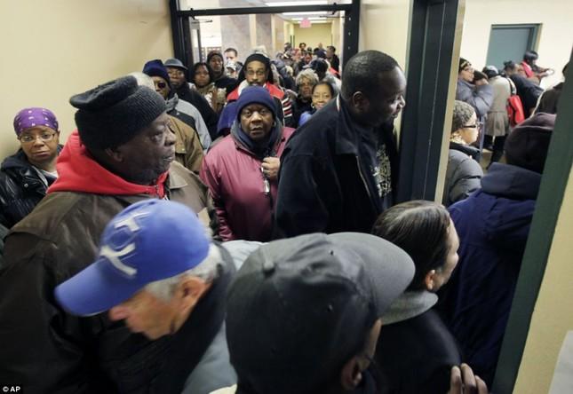 Cảnh đông đúc tại một điểm bầu cử tổng thống Mỹ
