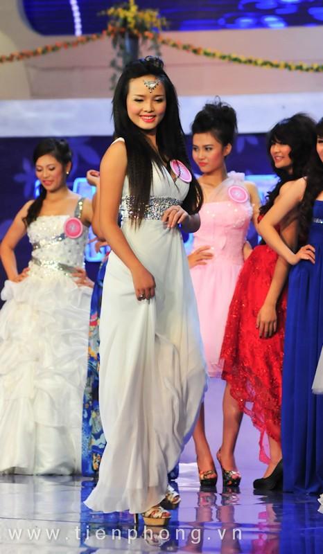 Các Miss teen trong trang phục dạ hội ảnh 12