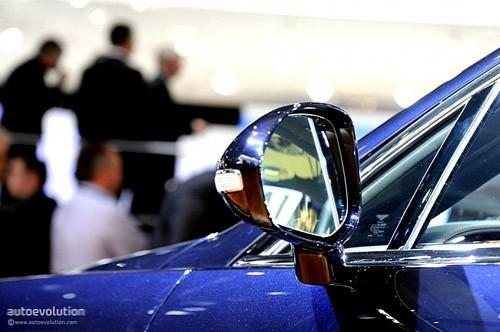 """Bentley mang """"hàng hiệu"""" tới triển lãm Detroit ảnh 5"""