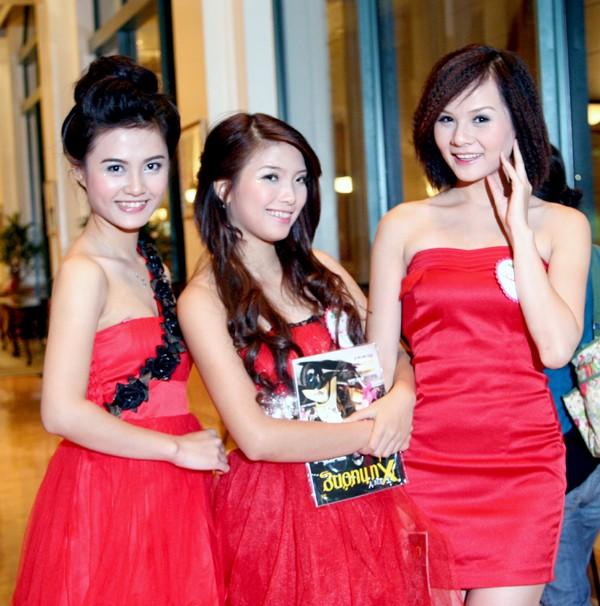 Hồng Vân,Kim Chung,Thi Anh nổi bật tại đêm tiệc với đầm đỏ