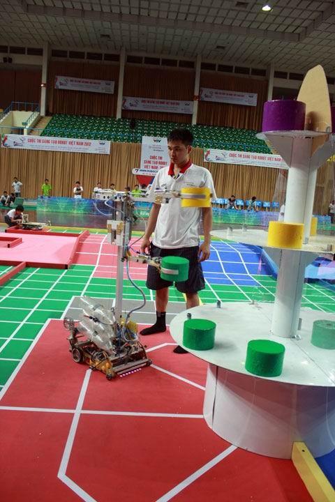 Robot thu thâp hoạt động nhanh nhẹn và chính xác hơn so với vòng loại