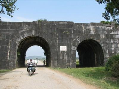 Cổng Thành nhà Hồ Ảnh: Xuân Ba