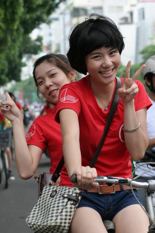 Ngắm nữ sinh Imiss Thăng Long đạp xe vì môi trường ảnh 6