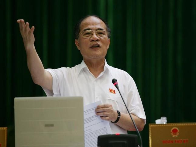 Phó Thủ tướng Thường trực Nguyễn Sinh Hùng