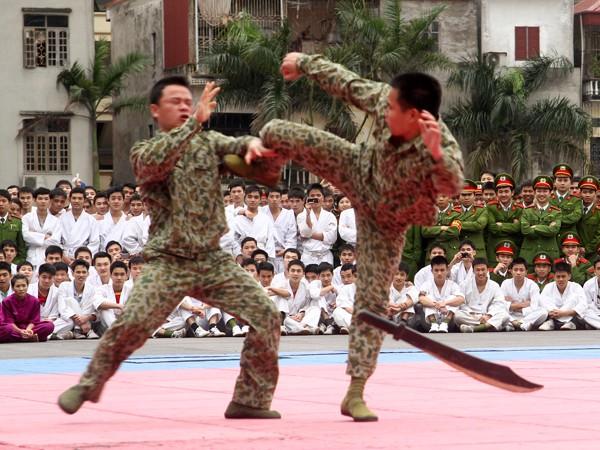 Các chiến sĩ đặc công cũng mang tới những màn trình diễn đặc sắc