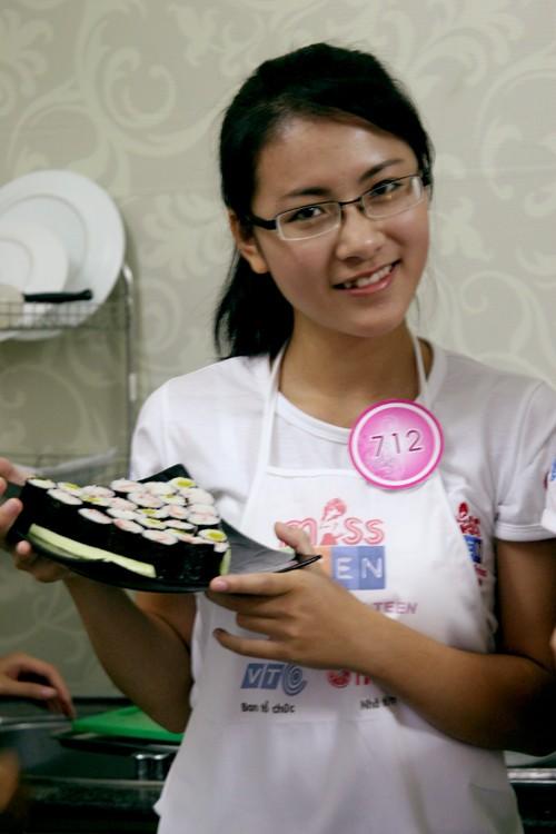 Phan Ngọc Anh với món bánh hanmade