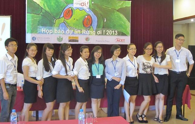 Những du học sinh và sinh viên ở Việt Nam tham gia chương trình