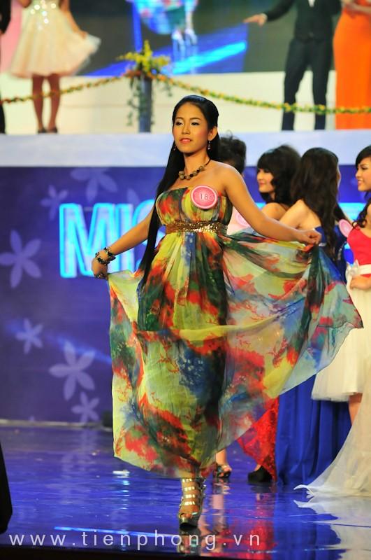 Các Miss teen trong trang phục dạ hội ảnh 13
