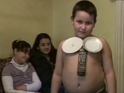 'Cậu bé nam châm' có khả năng... ngắt điện ảnh 1