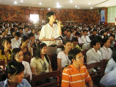 Hơn 1.000 bạn trẻ tham dự ngày hội khởi nghiệp
