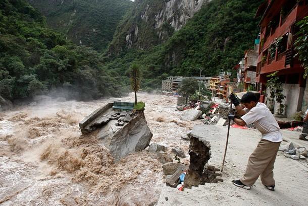 Những thảm họa năm 2010 qua ảnh - tiếp ảnh 1