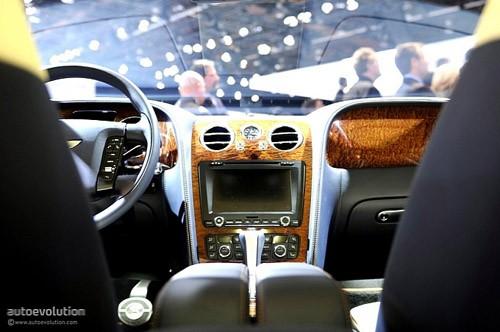 """Bentley mang """"hàng hiệu"""" tới triển lãm Detroit ảnh 16"""
