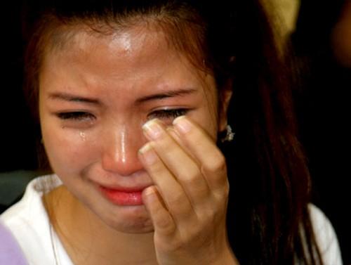 Cũng không ít giọt nước mắt của các Miss Teen đã rơi khi được gặp và chứng kiến nỗi đau và thiệt thòi của các em nhỏ tại làng Hữu Nghị (Ảnh: VTCNew)