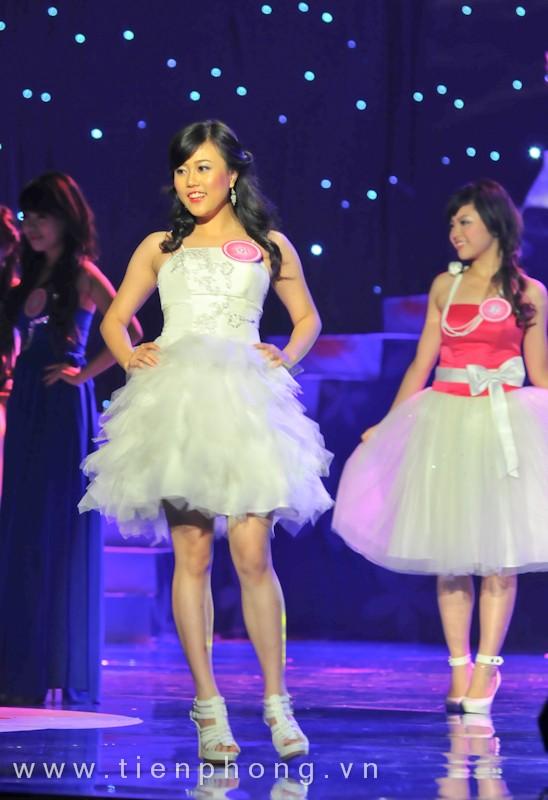 Các Miss teen trong trang phục dạ hội ảnh 3