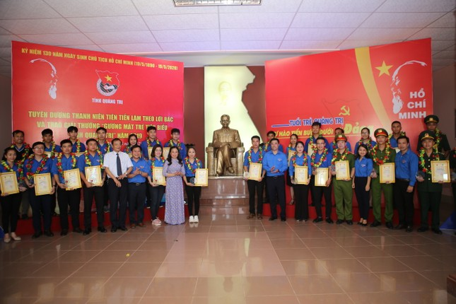 Quảng Trị trao giải thưởng Gương mặt trẻ tiêu biểu ảnh 1