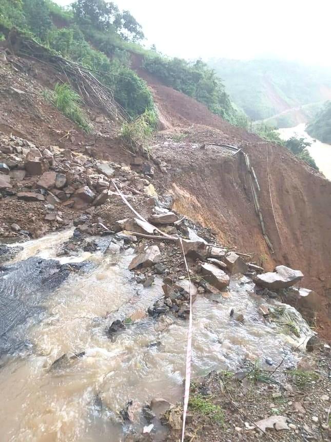 Mưa lũ tại Quảng Trị làm ngập lụt nặng 82 xã, phường và thị trấn, 2 người thương vong ảnh 2
