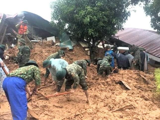 Kinh hãi hiện trường vụ sạt lở đất khiến 22 cán bộ, chiến sĩ ở Quảng Trị mất tích ảnh 1
