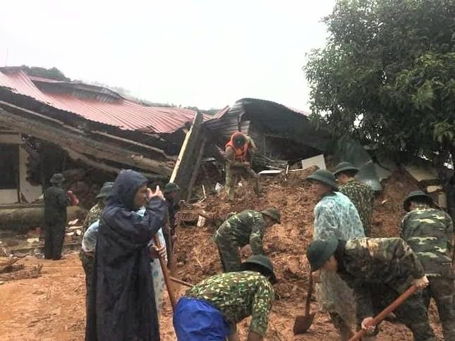 Kinh hãi hiện trường vụ sạt lở đất khiến 22 cán bộ, chiến sĩ ở Quảng Trị mất tích ảnh 4