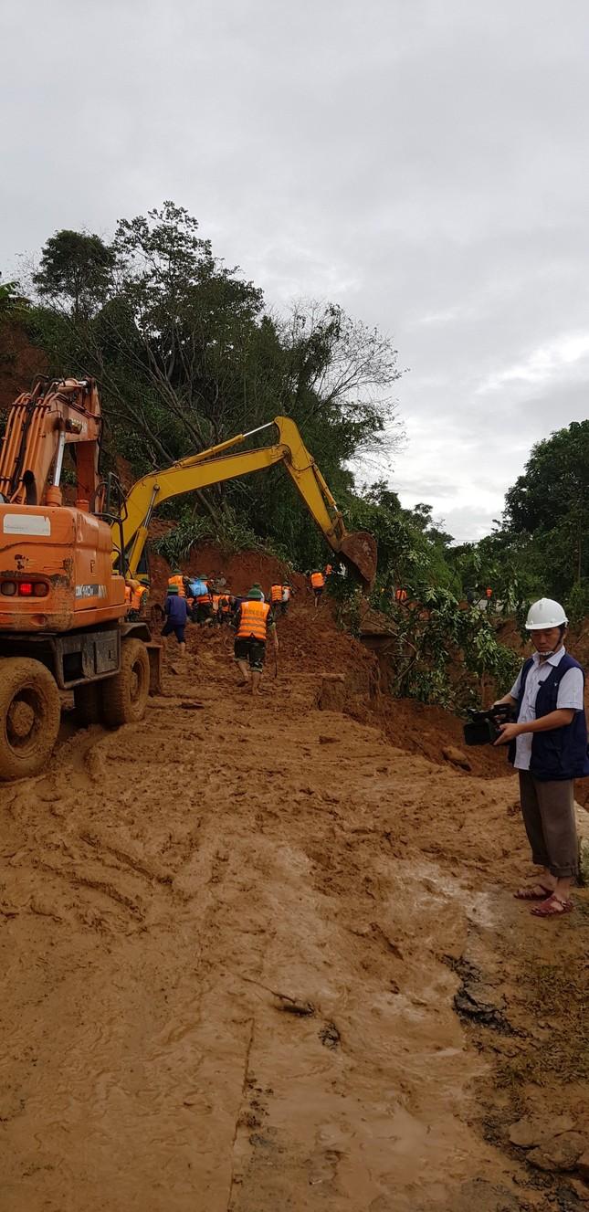 Kinh hãi hiện trường vụ sạt lở đất khiến 22 cán bộ, chiến sĩ ở Quảng Trị mất tích ảnh 11