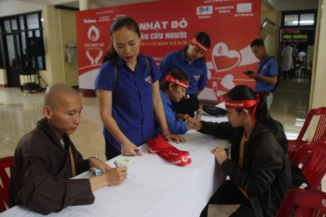 Ngày hội hiến máu tình nguyện 'Chủ nhật Đỏ' ở Quảng Trị ảnh 5