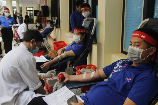 Ngày hội hiến máu tình nguyện 'Chủ nhật Đỏ' ở Quảng Trị ảnh 8