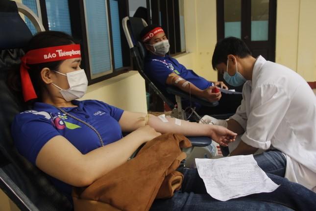 Ngày hội hiến máu tình nguyện 'Chủ nhật Đỏ' ở Quảng Trị ảnh 9
