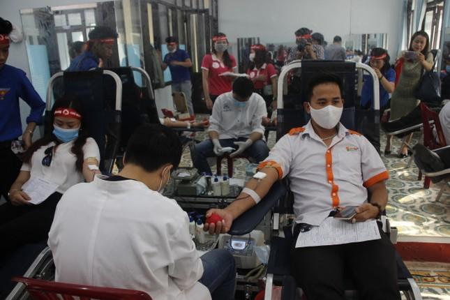Ngày hội hiến máu tình nguyện 'Chủ nhật Đỏ' ở Quảng Trị ảnh 10