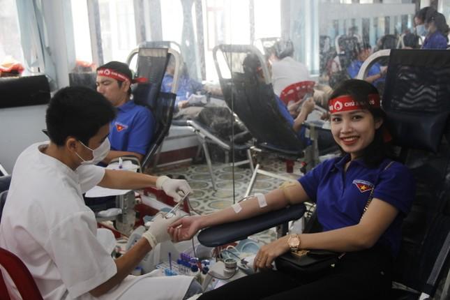 Ngày hội hiến máu tình nguyện 'Chủ nhật Đỏ' ở Quảng Trị ảnh 12