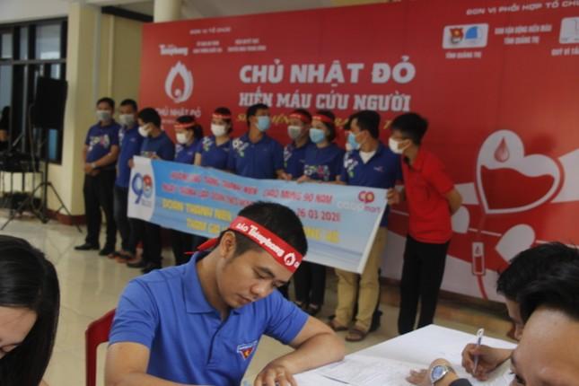 Ngày hội hiến máu tình nguyện 'Chủ nhật Đỏ' ở Quảng Trị ảnh 15