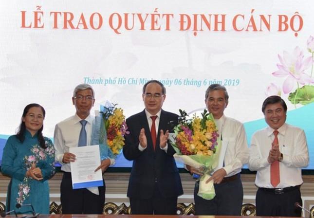 Trao quyết định phê chuẩn hai Phó Chủ tịch UBND TPHCM ảnh 1