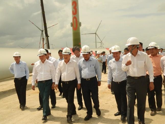 Phó Thủ tướng Trịnh Đình Dũng: 'Sao cái gì cũng đẩy qua Quốc hội?' ảnh 1