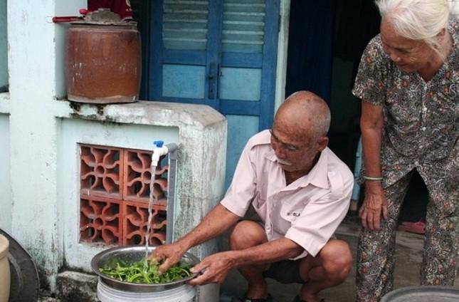 TPHCM miễn phí 3 tháng tiền nước cho hộ nghèo, cận nghèo ảnh 1