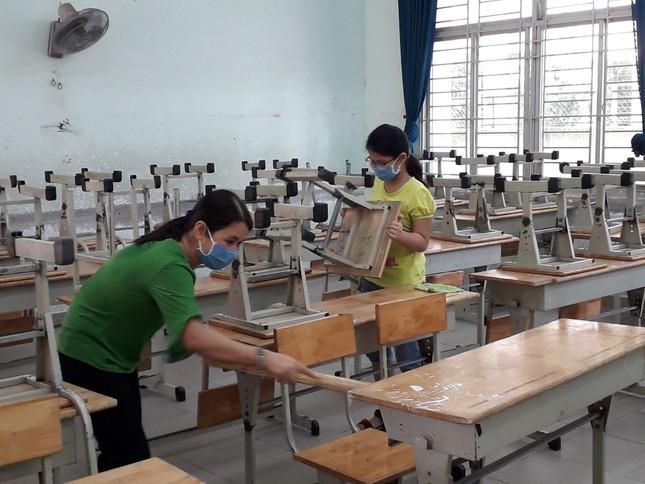 TPHCM tất bật chuẩn bị đón hơn 170.000 học sinh đi học lại ảnh 1