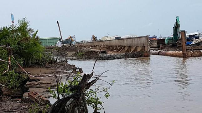 Sập kè Tắc Sông Chà, nguyên Phó Giám đốc Sở GTVT TPHCM bị kiểm điểm ảnh 2