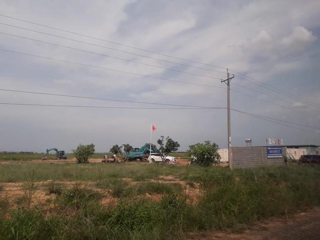 Cận cảnh khu đất làm điện mặt trời Thái Lan muốn mua sát biên giới Campuchia ảnh 7