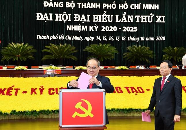 Đại hội Đảng bộ TPHCM đã bầu 61 Thành ủy viên khóa XI ảnh 1