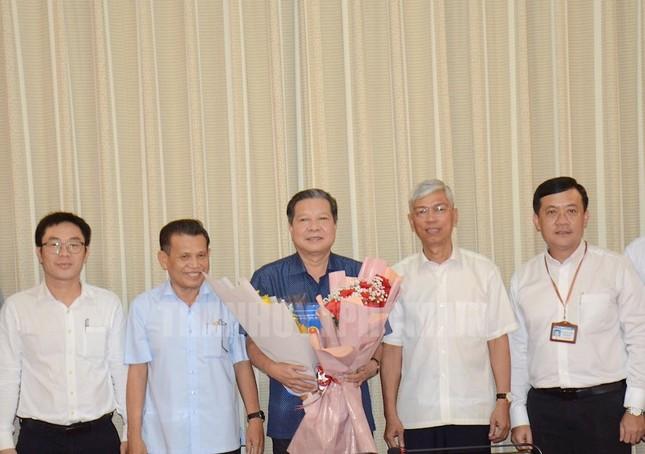 Nhiều cán bộ lãnh đạo ở TPHCM nghỉ hưu ảnh 3