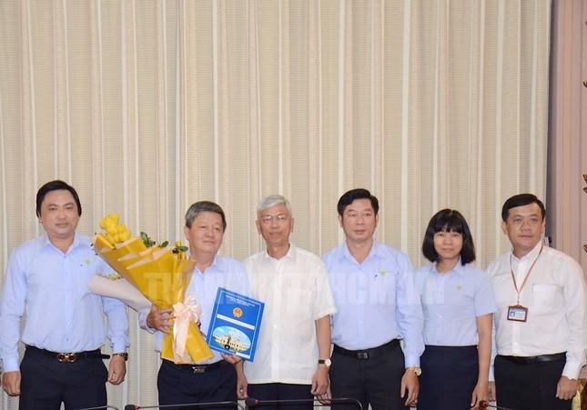 Nhiều cán bộ lãnh đạo ở TPHCM nghỉ hưu ảnh 2