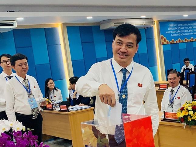 Đề cử bà Phan Thị Thắng, ông Lê Hòa Bình để bầu làm Phó Chủ tịch UBND TPHCM ảnh 2