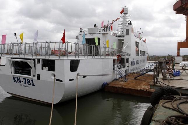 Cận cảnh tàu Kiểm ngư hiện đại nhất Việt Nam ảnh 12