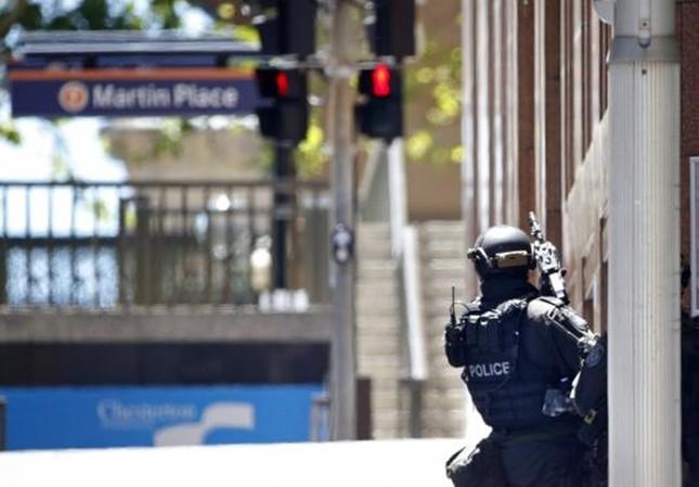 [ẢNH] Lính bắn tỉa bao vây kẻ bắt cóc con tin ở Sydney ảnh 7