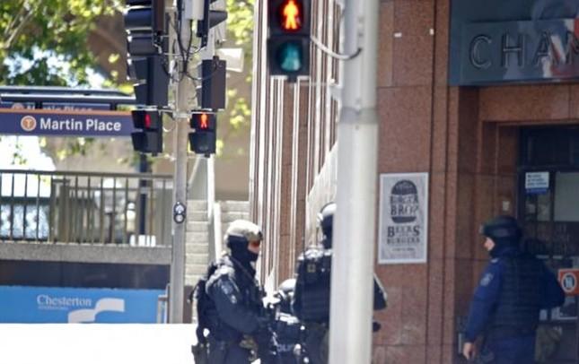 [ẢNH] Lính bắn tỉa bao vây kẻ bắt cóc con tin ở Sydney ảnh 8