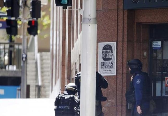 [ẢNH] Lính bắn tỉa bao vây kẻ bắt cóc con tin ở Sydney ảnh 9