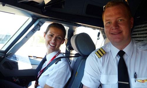 CEO Vietjet Air: 'Chúng tôi tuyển phi công công khai' ảnh 1