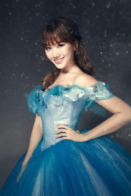 Hari Won hóa thành Cinderella bên 'Hoàng tử' Harry Lu ảnh 1