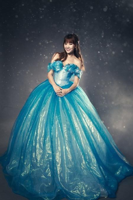 Hari Won hóa thành Cinderella bên 'Hoàng tử' Harry Lu ảnh 3