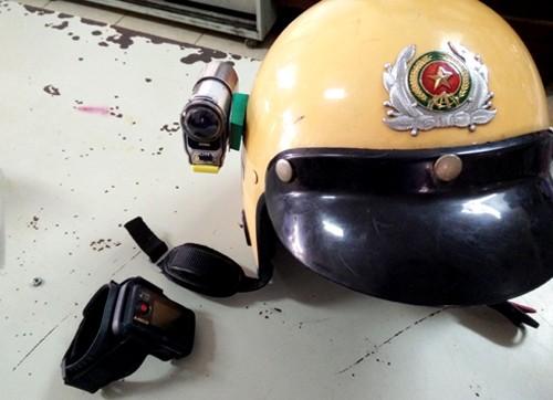 Cảnh sát giao thông được trang bị 'mắt thần' khi làm nhiệm vụ ảnh 1