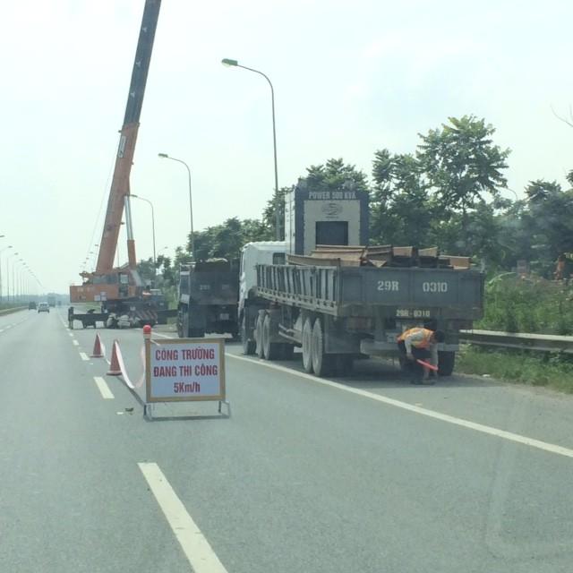 Vỡ đường ống sông Đà, hàng chục nghìn hộ dân mất nước ảnh 1