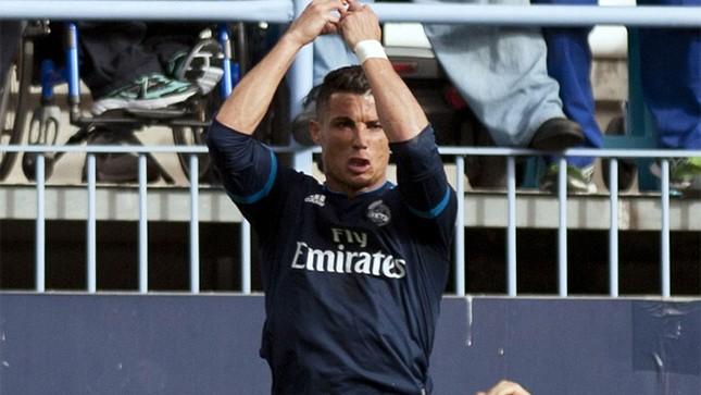 Ronaldo khoe cơ bắp và tuyên bố 'không cần ngày nghỉ' ảnh 4